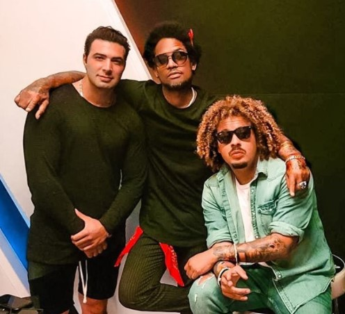 Vakeró graba temas con Jencarlos Canela, Farruko y Gente de Zona