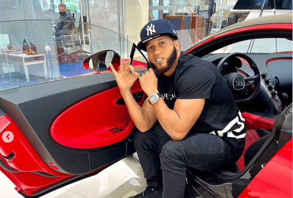El Alfa el Jefe compra un Bugatti Chiron Sport