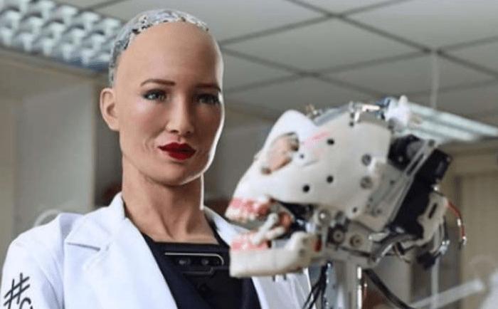 """Sophia, el robot que dijo que """"destruiría a los humanos"""", será producido en masa"""