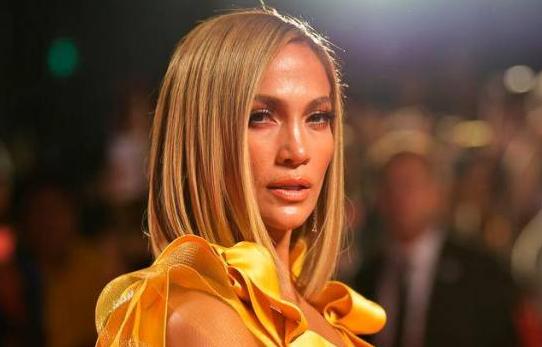 Jennifer Lopez alborotan las redes con foto muy provocadora