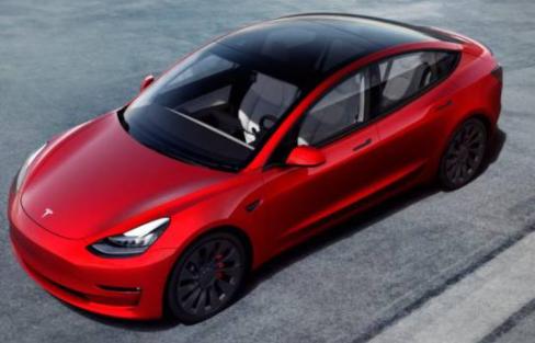 Elon Musk anuncia que ya es posible comprar vehículos Tesla con bitcóin