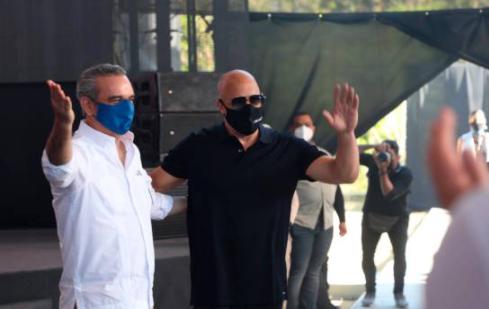 Luis Abinader firma acuerdo con Vin Diesel para construir un estudio de cine