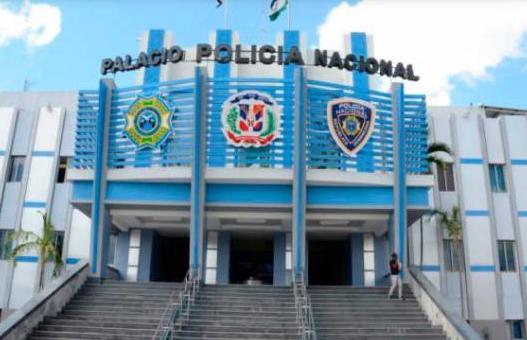 Luis Abinader pone en retiro 350 oficiales de la Policía