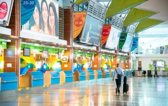 Aeropuerto Las Américas a un pasajero detenido amenazó con hacer explotar una bomba