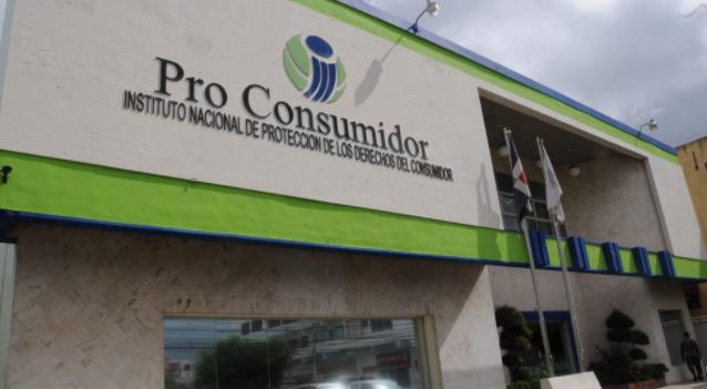 Pro Consumidor cierra 13 negocios por venta de bebidas adulteradas